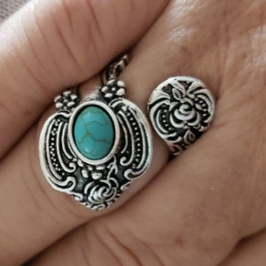 Jewelry - 🛍3/$25🛍 Antique Silver Turquoise Spoon Ring